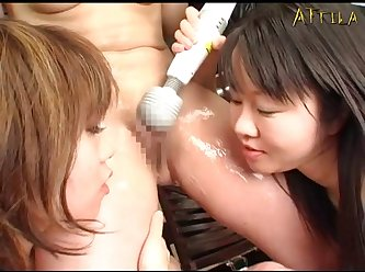 Genki Dgen013 The Snake Coils Around Glare Woman's Soft Body 012