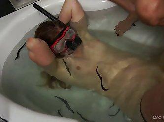 Bath Diver 004