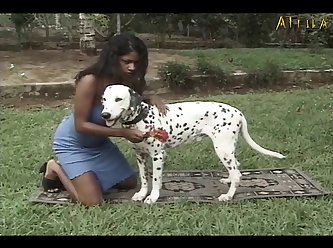 Black Girl Fucks And Sucks Dog (part 1)